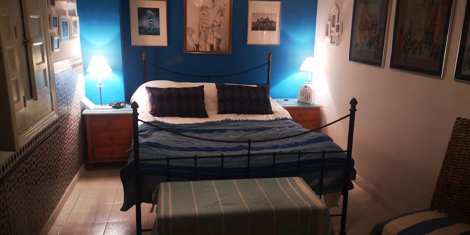 Queen size bedroom, 'sweet dreams'