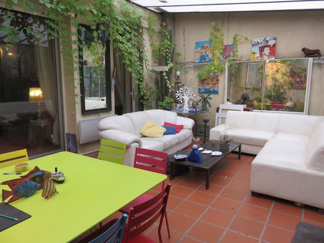 Grand appartement avec jardin en centre ville