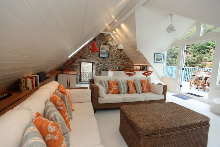 A stylish relaxing seaside 4 bed home in Solva - Solva - Hus