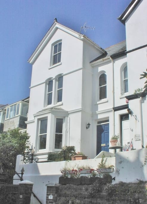 Victorian semi-detached town house. Three floors with spacious accommodation and Estuary views