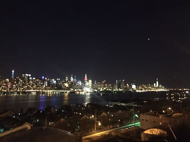 Our NYC sight one minute away