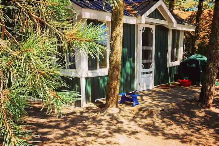 The Harold Cabin At LongPointLodge