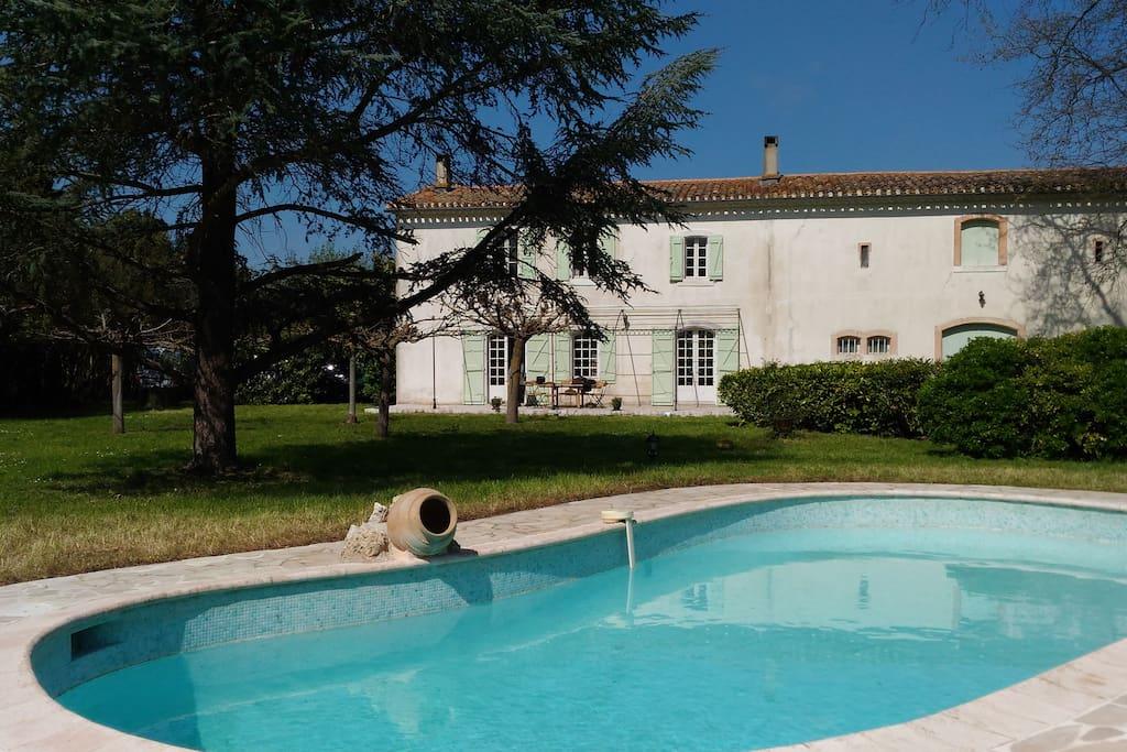 la maison vue du pool-house