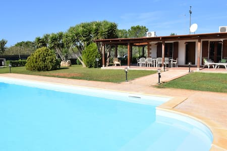Villa Serena Alghero - a beautiful villa with pool - อัลเกโร