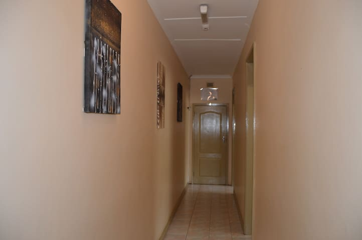 Room 4 @ Iqhayiya Guest House - Durban South - Pension