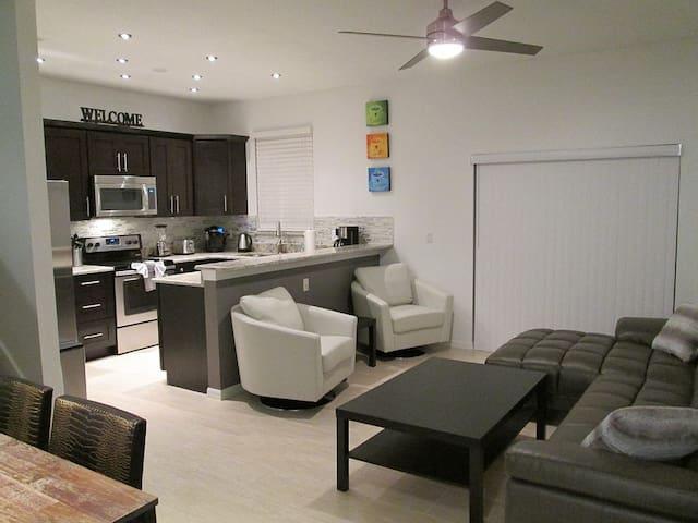4 Bedroom Villa -Fully Upgraded, Near Disney