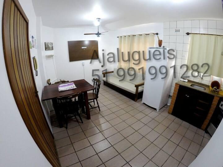Apartamento 1 D com sacada e churrasqueira