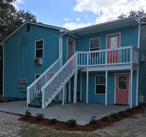 Renovated 2BD Block from Main St and Ocean (#3)