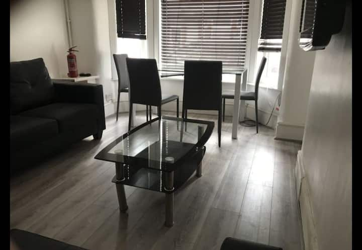 DOUBLE ROOM AVAILABLE IN MANCHESTER