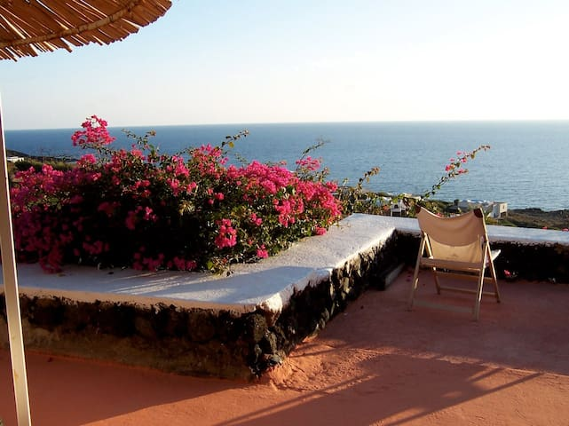 "Dammuso ""Il Gazebo"" overlooking the Sea and Sunset - Pantelleria - Vila"