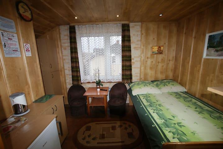 pokój nr 4 - pokój 1 -2 osobowy rodzinny