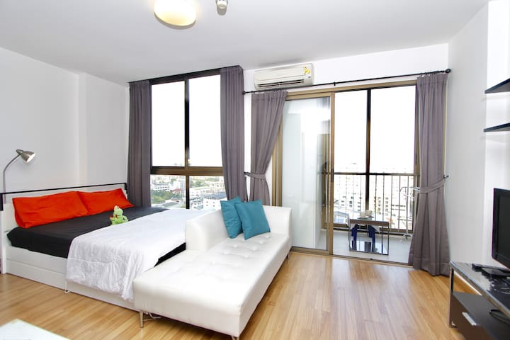 Brightened Bedroom with Queen Size Comfort Mattress + Fresh Sheet/Pillows Cover/Duvet Cover every booking.