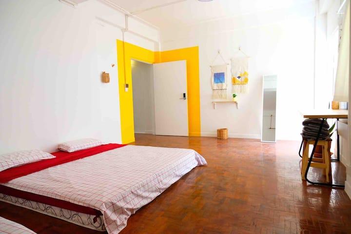 清迈古城内家庭房 A family room in old city