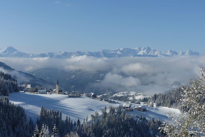 Vom Berg der Blick ins Tal - Tassach