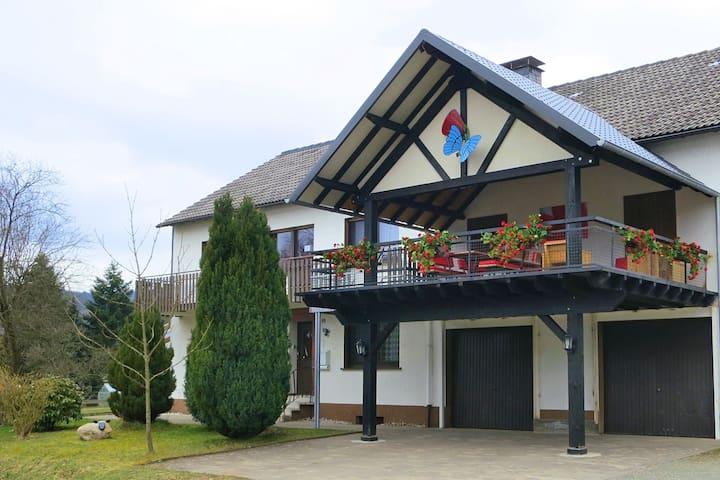 Chic Holiday Home in Liesen with Garden