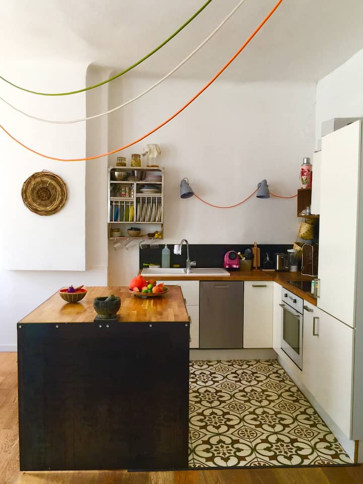 Room in an apartment in the heart of Marseille.
