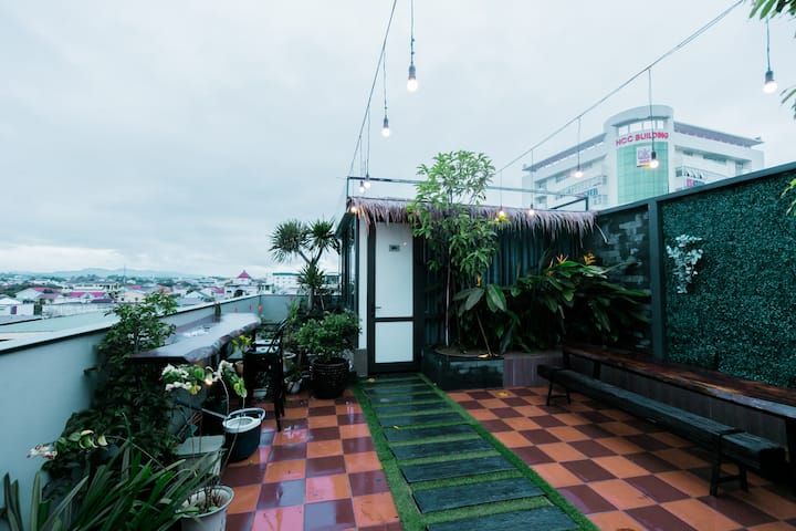 Rooftop City View  Room♛5
