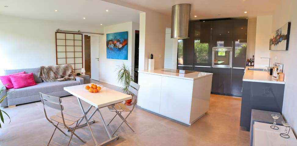 Saint-Tropez, appartement avec piscine et parking