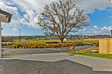 Centre to Orewa beach, Gulf Harbour - Rumah