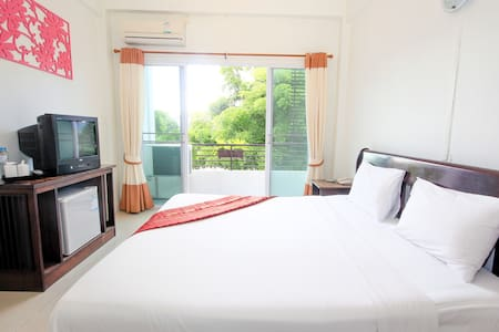 Relaxing King bed room in the city of Chiang Rai - Mueang Chiang Rai - Bed & Breakfast