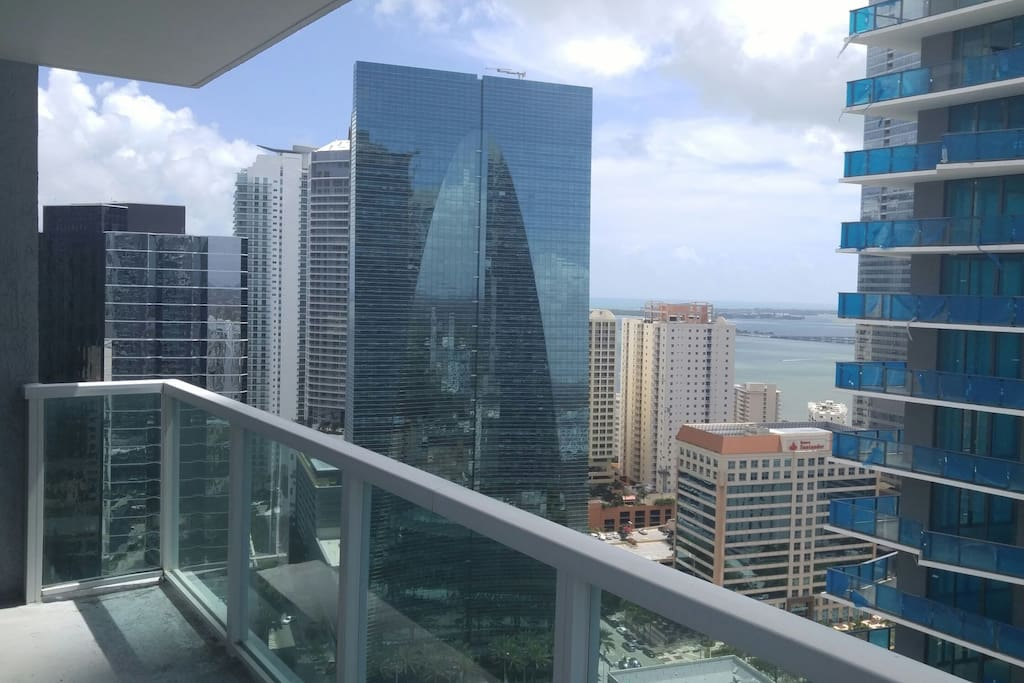 King Bed Private Room In Brickell Apartments For Rent In
