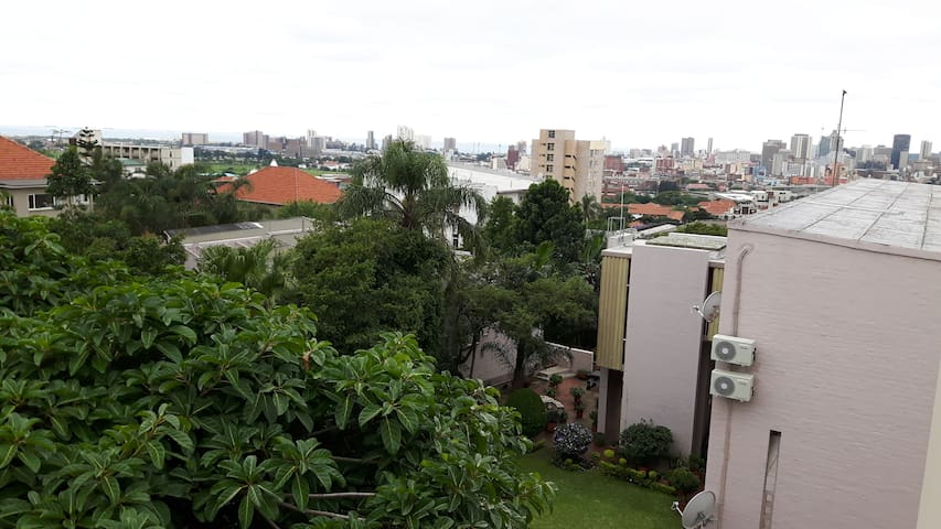 Fresh whole apartment close to Musgrave Center - Berea - Appartement