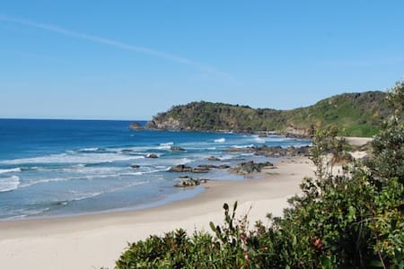 3 bed - across the road from beach! - Port Macquarie - Casa