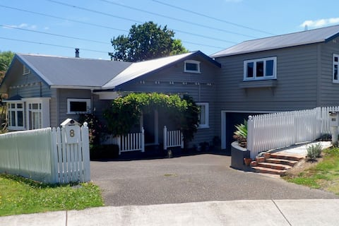 West Auckland Home away from Home Studio apartment