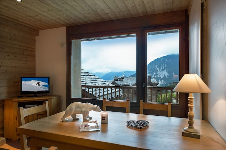 One family apartment in Courchevel