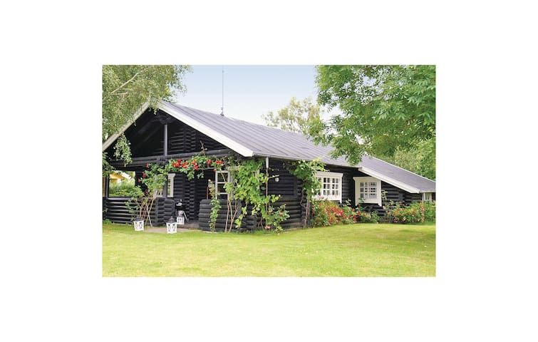 Holiday cottage with 3 bedrooms on 115m² in Gilleleje