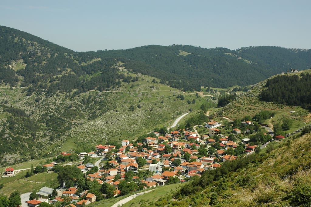 The picturesque village of Kokkinopilos