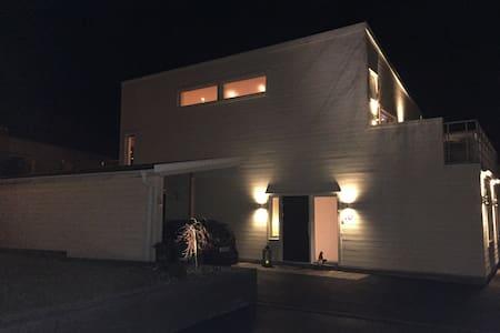 Nybyggd villa 15 min fr Göteborg! - Kungälv - Hus