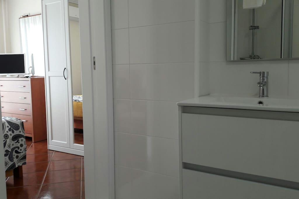 quarto duplo com banho privado