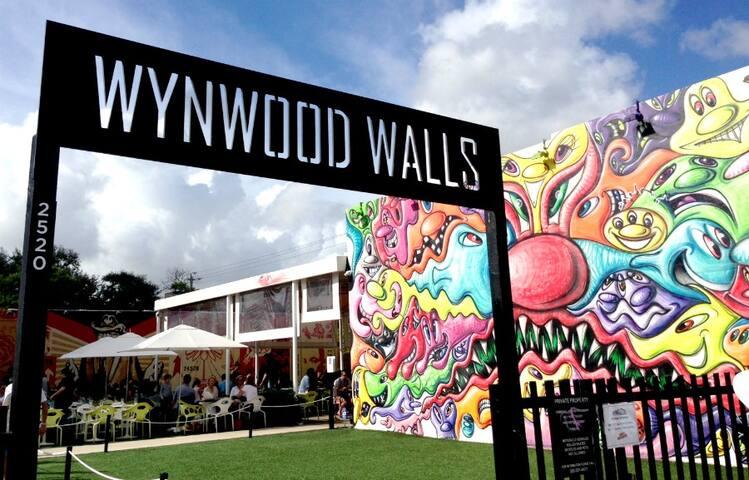 Wynwood Walls - A 15 min drive / Uber