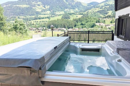 Large chalet in the Kitzbüheler Alps with hot tub