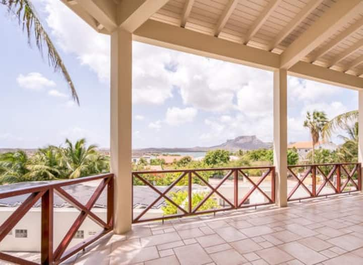 Luxury over Spanish Waters and Tablerock view