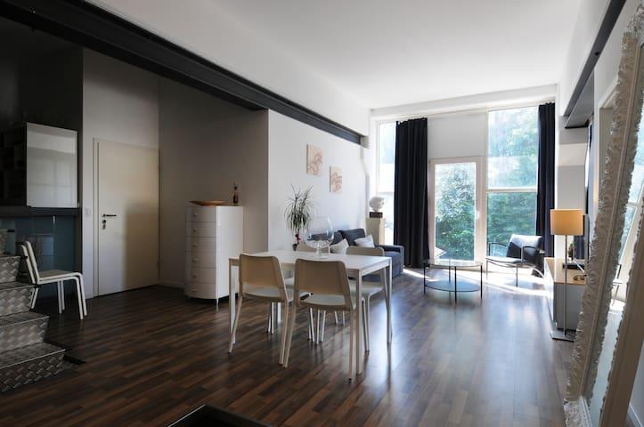Avantgarde CoWoLi Apartment
