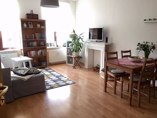 Charmante Wohnung im Waldstraßenviertel