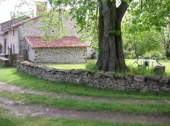charmante maison à la campagne - Roussac