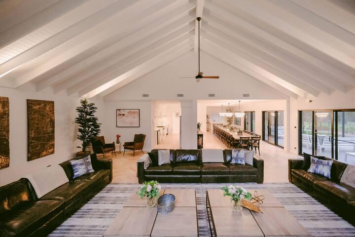 Greystone Estate - 11 Bedrooms