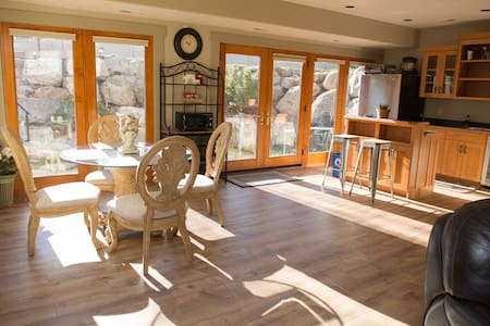 Spacious Utah Luxury Retreat