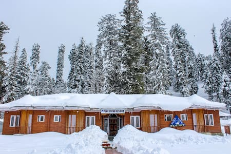 Pine View Resort Gulmarg Deluxe Room 2