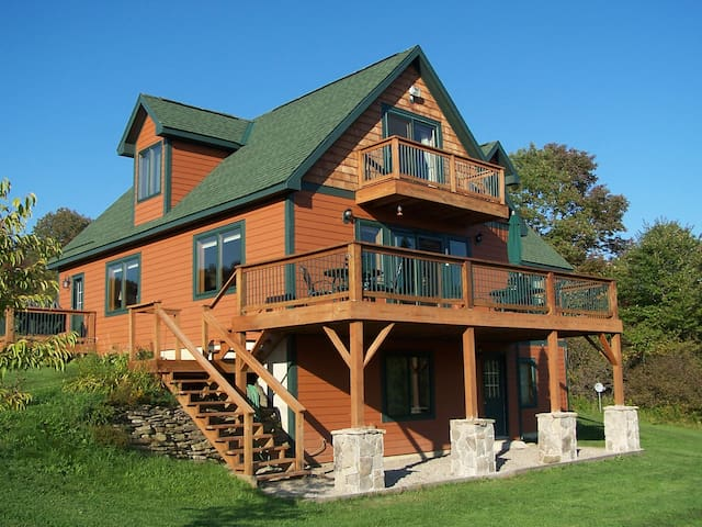 Heavenly Mountian Top Chalet - Ellicottville - Hus