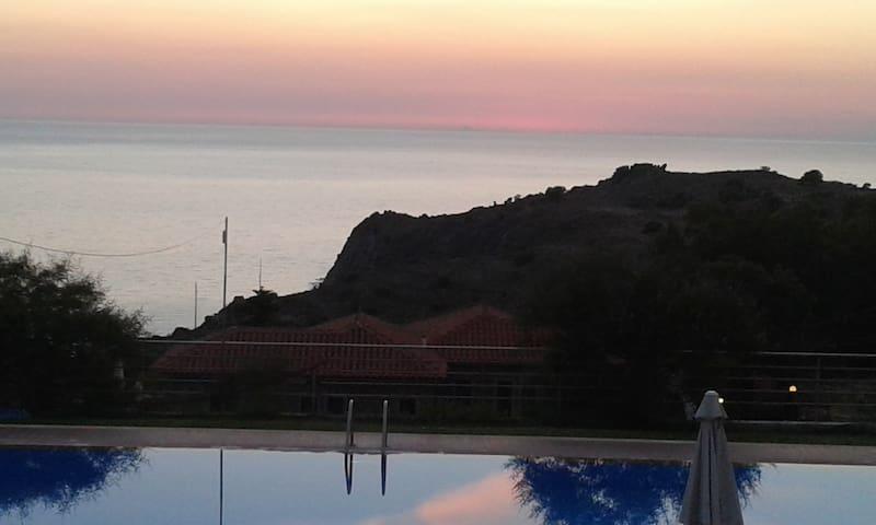 molivos-residence