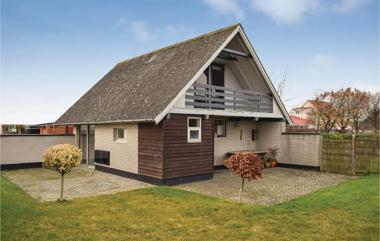 Holiday cottage with 2 bedrooms on 60 m² in Knebel