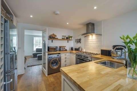 Pebble Cottage in the heart of Bembridge