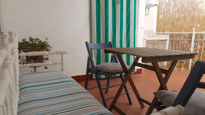 Charming apartment in Valdepeñas, private entrance