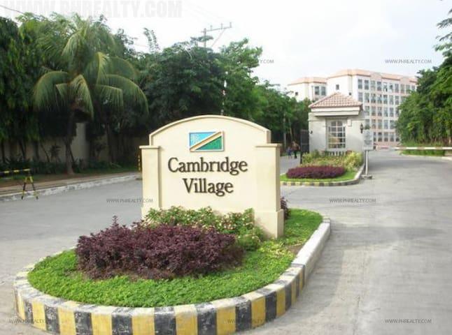 Cambridge 40sq.m. loft type Condo Unit - Cainta - Kondominium