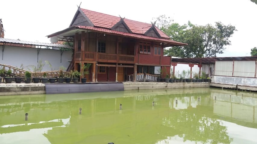 Traditional Villa (Medium Size)