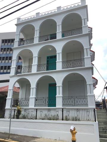 Rompeolas Beach House Apt